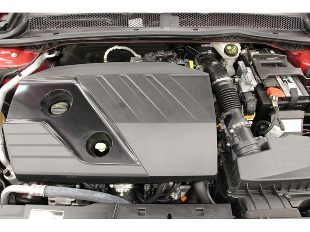 2Lクリーンターボディーゼル「Blue HDi」を搭載し、177馬力を発生する「GT ブルーHDi」☆組み合されるトランスミッションは8ATです。