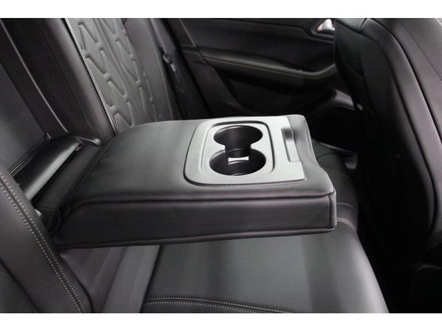 GT ブルーHDi フルPKG/1オーナー/禁煙車/ACC/衝突軽減B/サンルーフ/黒革S/ナイトピジョン/シートH/Pシート/マッサージ機能/フロントバックカメラ/パノラマビュー/Pゲート/LEDヘッドライト(68枚目)
