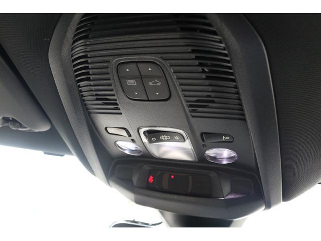 「プジョー」「プジョー 3008」「SUV・クロカン」「愛知県」の中古車32