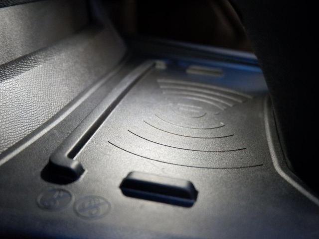 SW GT ブルーHDi 新車保証継承 元試乗車 サンルーフ 純正ナビ ETC付(44枚目)