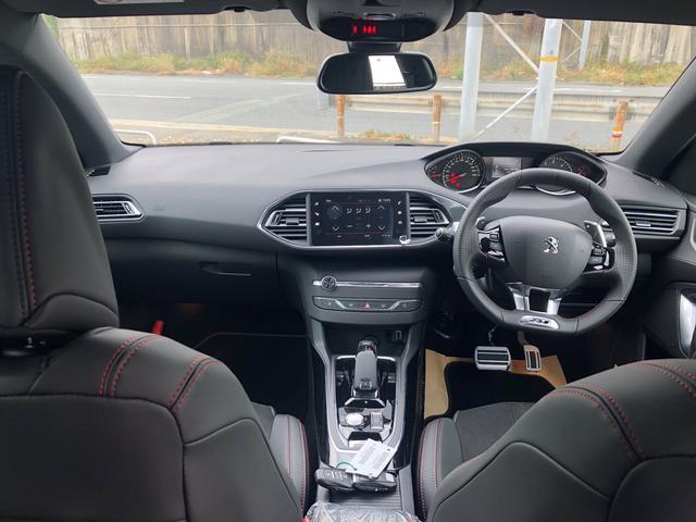 GT ブルーHDi 8速AT Apple CarPlay対応(9枚目)