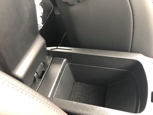 GT ブルーHDi 8速AT Apple CarPlay対応(19枚目)