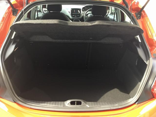 アリュール 当社試乗車新車保証継承ナビ接続CarPlay対応(6枚目)