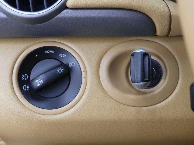 ベースグレード LIMITED50 19インチAW キャメルレザーシート ミラー型レーダー探知機 カロッツェリアナビ HIDヘッドライト 革巻きハンドル ETC 純正フロアマット  キーレス ディーラー車 禁煙車(52枚目)