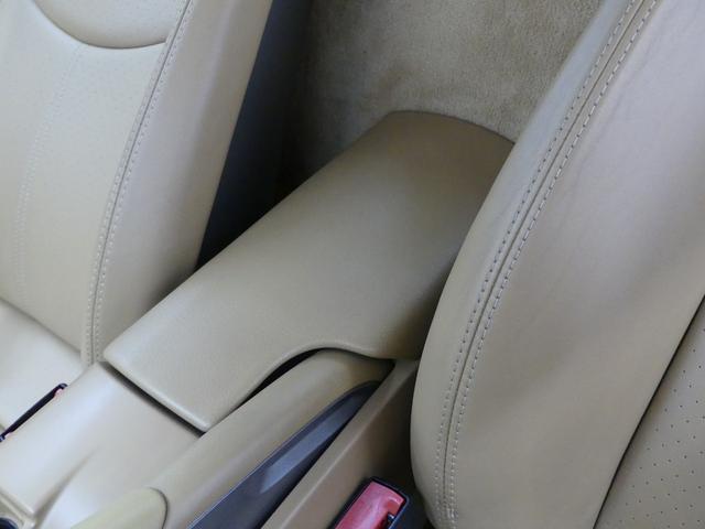 ベースグレード LIMITED50 19インチAW キャメルレザーシート ミラー型レーダー探知機 カロッツェリアナビ HIDヘッドライト 革巻きハンドル ETC 純正フロアマット  キーレス ディーラー車 禁煙車(64枚目)