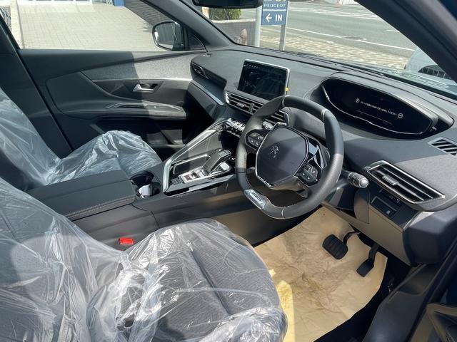 GTライン ブルーHDi サンルーフ 登録済未使用車 特別仕様車 新車保証継承 カープレイ&アンドロイドオート(8枚目)