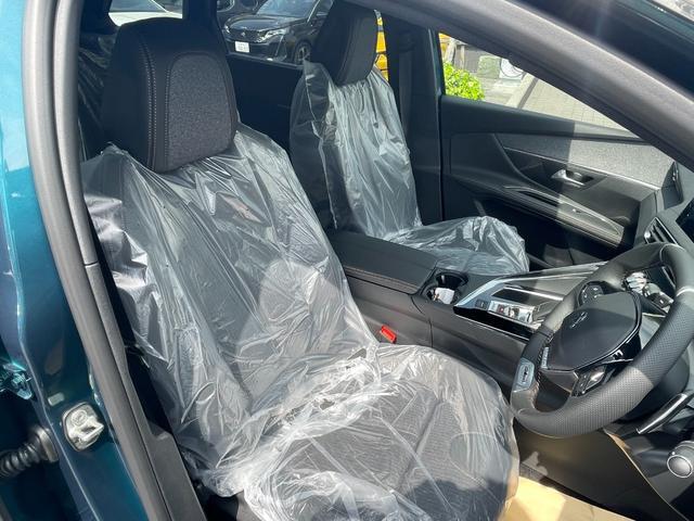 GTライン ブルーHDi サンルーフ 登録済未使用車 特別仕様車 新車保証継承 カープレイ&アンドロイドオート(9枚目)