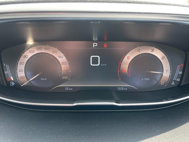 GTライン ブルーHDi サンルーフ 登録済未使用車 特別仕様車 新車保証継承 カープレイ&アンドロイドオート(10枚目)