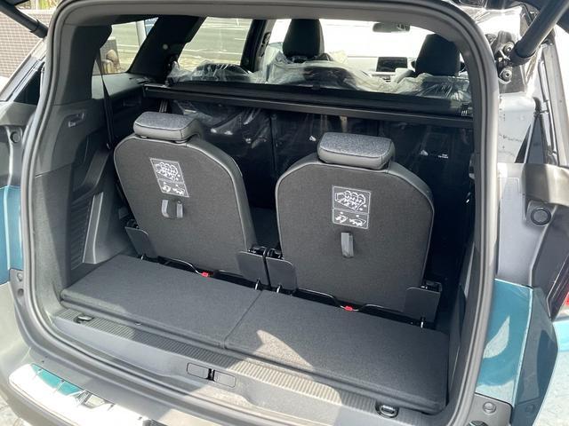 GTライン ブルーHDi サンルーフ 登録済未使用車 特別仕様車 新車保証継承 カープレイ&アンドロイドオート(16枚目)