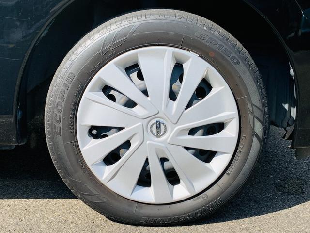 足元を変えるだけで車のイメージがかなり変わります。かっこいい存在感のある一台です。