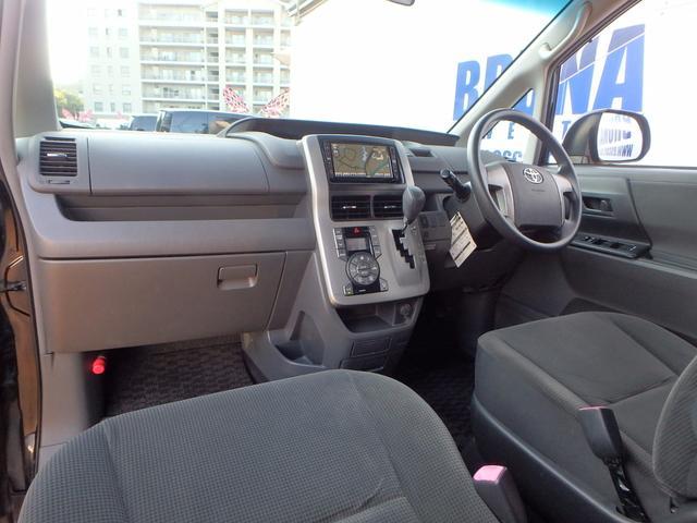 トヨタ ヴォクシー Xプッシュスタート禁煙車パワスラBカメHDDナビインテリキー
