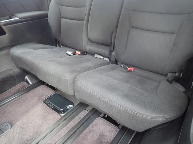 GエアロHDDナビスペシャルパッケージ 4WD 禁煙車 両側パワースライドドア 純正エアロ バックカメラ HDDナビ DVD再生可 ETC キセノン Tチェーン キャプテンシート7人乗り 後期型 実走行22000km ディーラー下取り車(26枚目)