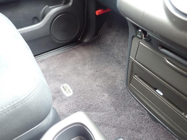GエアロHDDナビスペシャルパッケージ 4WD 禁煙車 両側パワースライドドア 純正エアロ バックカメラ HDDナビ DVD再生可 ETC キセノン Tチェーン キャプテンシート7人乗り 後期型 実走行22000km ディーラー下取り車(71枚目)