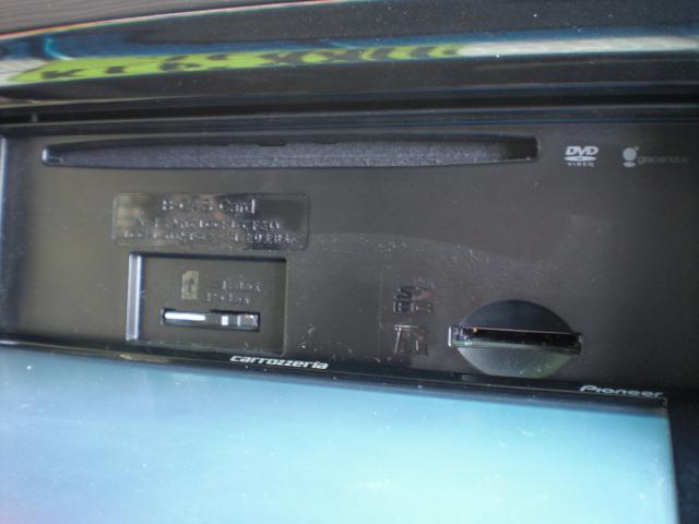 カスタムG HDDナビ・フルセグTV・CD&DVD&SD再生・CD録音・Bトゥース・スマートキー・オートエアコン・ウインカーミラー・トップシェードガラス・F&Rアームレスト・HIDライト・フォグ・14インチAW等(10枚目)