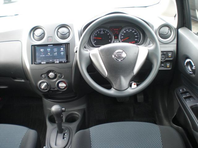 X エマージェンシーブレーキ・スマートキー&プッシュスタート・オートライト・ウインカーミラー・メモリーナビ・ワンセグTV・CD&DVD&SD再生・USB・Bカメラ・ETC・中古車保証1年付(2枚目)