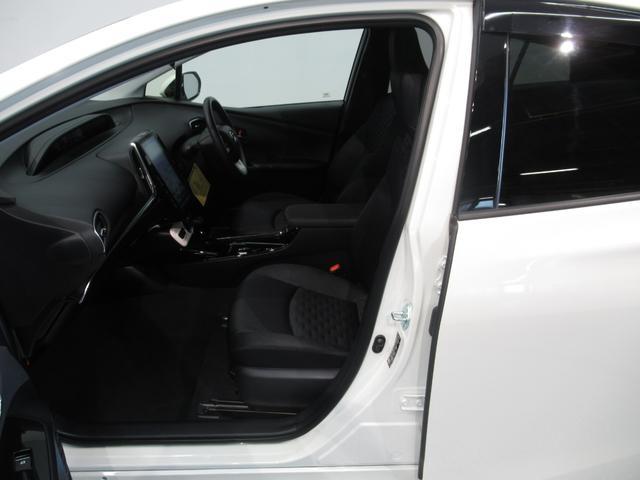 トヨタ プリウスPHV A 当社試乗車 LED アルミ ナビ フルセグ