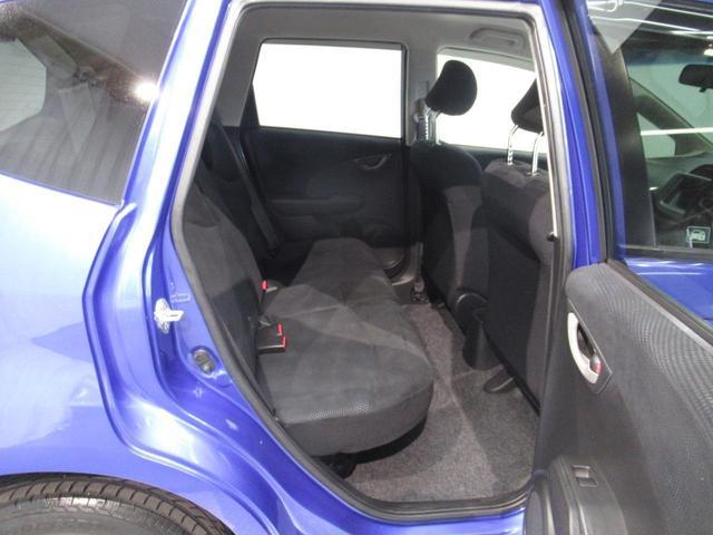 ◆◆◆後部座席はこの様な感じです♪人を乗せるもよし、荷物を載せるもよし!