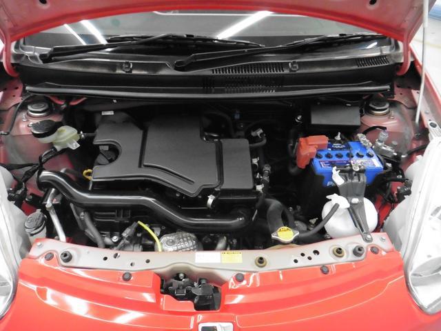 「まるごとクリーニング」によりエンジンルームもキレイに仕上げてあります。もちろん整備も済みですのでご安心してお乗りいただけます。