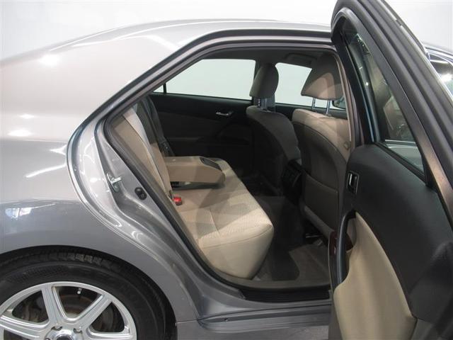 トヨタ高品質U-Car洗浄「まるまるクリン」。外装はもちろん、内装はシートを外して見えないところまで徹底洗浄!お客様に責任を持って安心と美しさをお届けします!