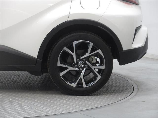 純正オプションの●●インチアルミホイール装着車です。標準車より●インチアップのため迫力があります。しかも純正なのでデザイン性も損なわれません。