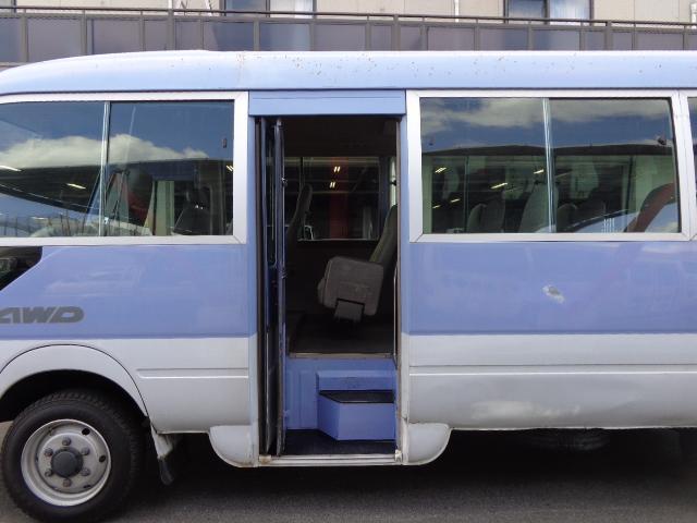 日野 リエッセII 4WD 29人乗り 自動ドア