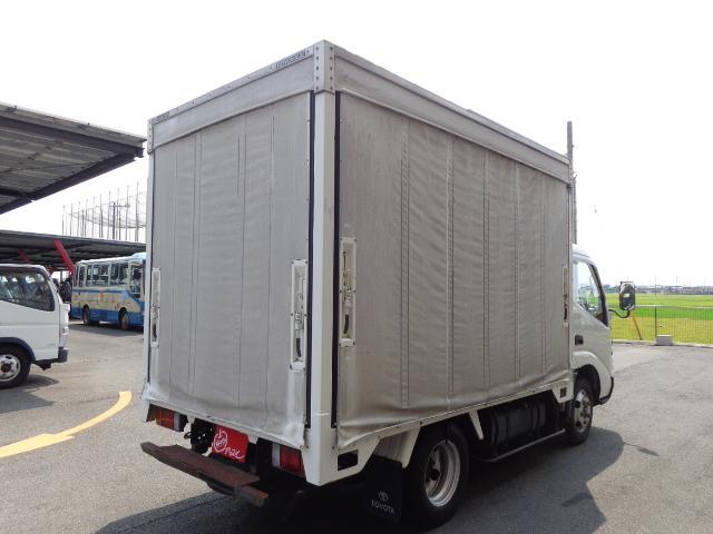 2トン カーテン車(2枚目)