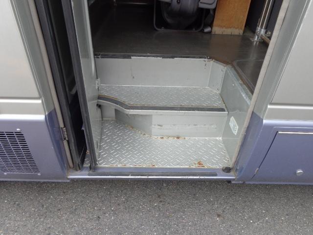 リヤ観音ドア 10人乗り 自動ドア 助手席ドア(11枚目)
