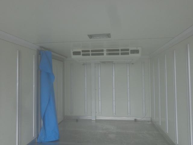 冷蔵冷凍車-25度設定 積載850kg(8枚目)