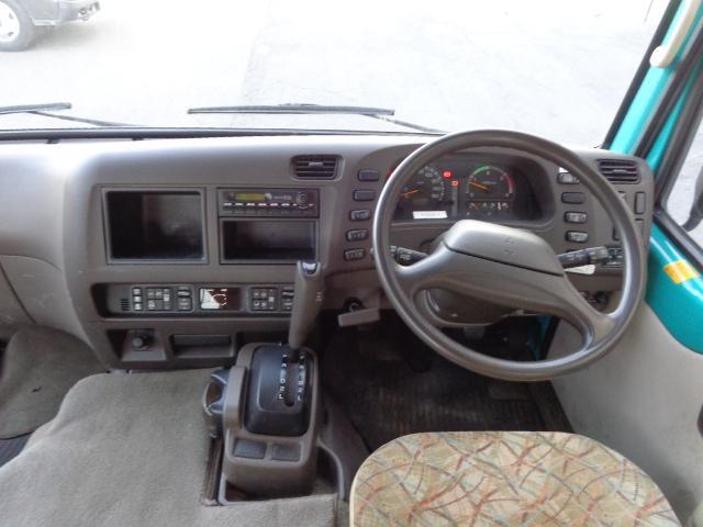 4WD 29人乗り 自動ドア(11枚目)