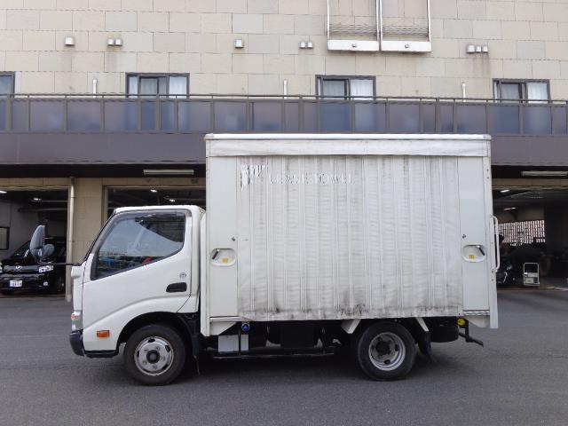 積載2トン カーテン車(5枚目)
