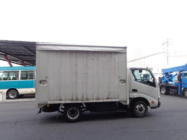 積載2トン カーテン車(6枚目)