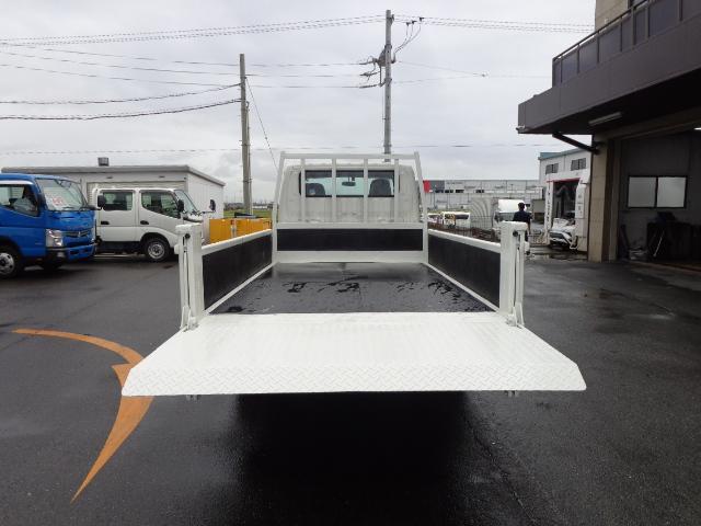 Wキャブ 2トン 標準ロング 垂直パワーゲート(8枚目)