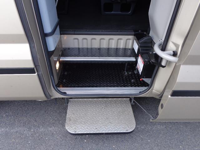 EX 自動ドア オートステップ ナビ バックカメラ 冷蔵庫(8枚目)