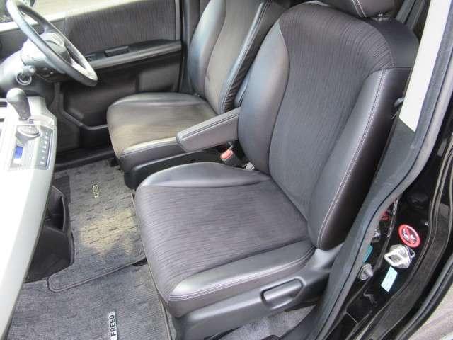 安心の認定中古車でございます。納車前にしっかりとした整備を行いますのでご安心下さいませ。
