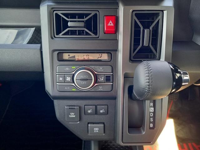 運転席・助手席シートヒーター、USBジャックも標準装備☆