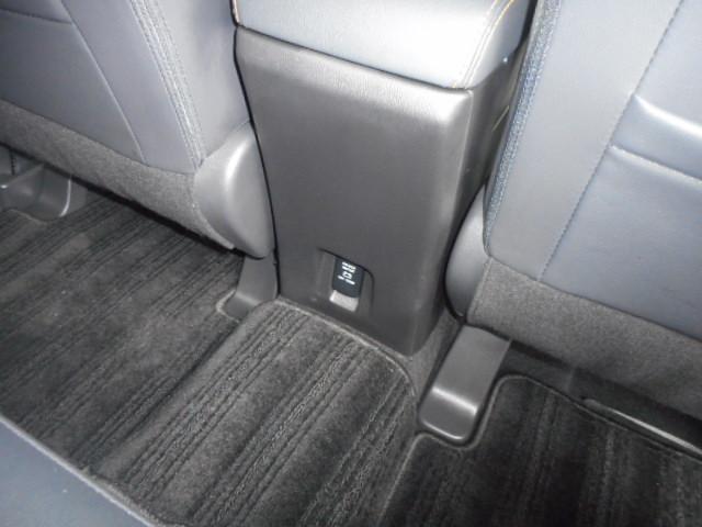 後席にシガーソケット完備なので携帯充電等も可能(^O^)/