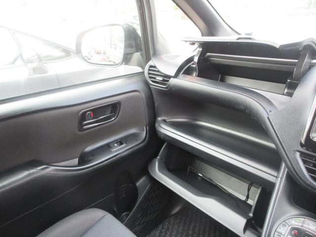 「トヨタ」「ノア」「ミニバン・ワンボックス」「沖縄県」の中古車25