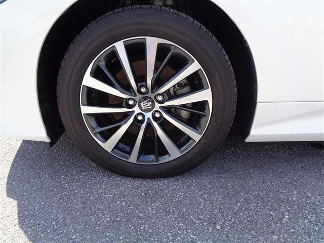 アルミホイールは、軽量なので凸凹な路面を走行した時などの突き上げを軽減、またクルマの運動性能も向上し、ブレーキを多用する走行時にもブレーキの発熱を抑え、安定したブレーキ性能を発揮します。