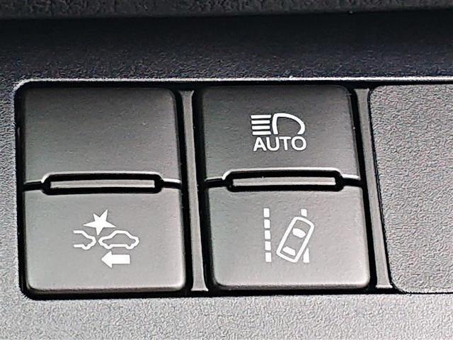 X ワンセグ ミュージックプレイヤー接続可 バックカメラ 衝突被害軽減システム ETC LEDヘッドランプ 乗車定員7人 3列シート 記録簿(10枚目)