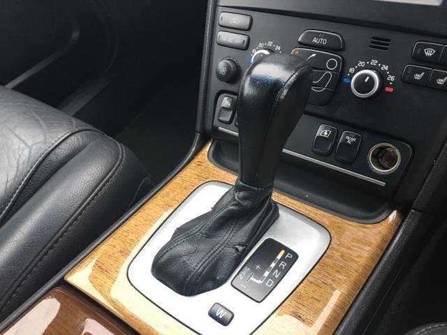 3.2 SE AWD 黒レザーシート パワーシート キーレス(18枚目)