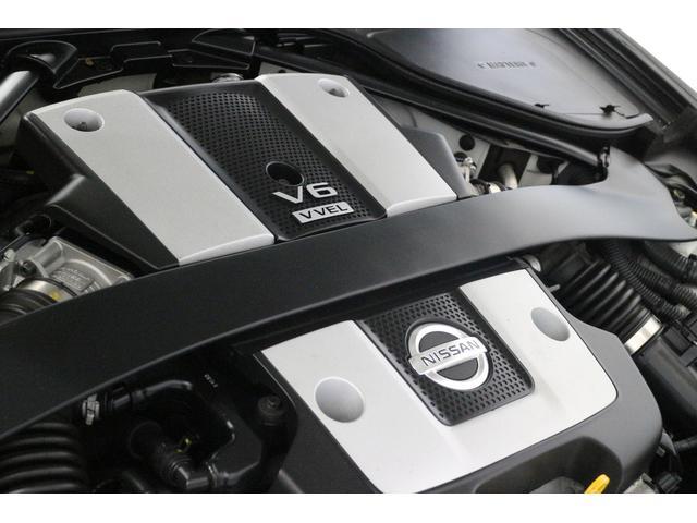 DOHCエンジン 最高出力 247/7000kw/rpm、最大トルク 365/5200N・m/rpm