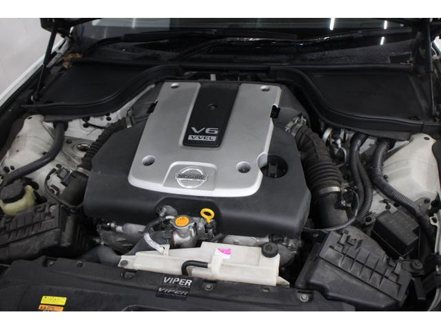 V型6気筒DOHC 最高出力333ps(245kW)/7000rpm最大トルク37.0kg・m(363N・m)/5200rpm