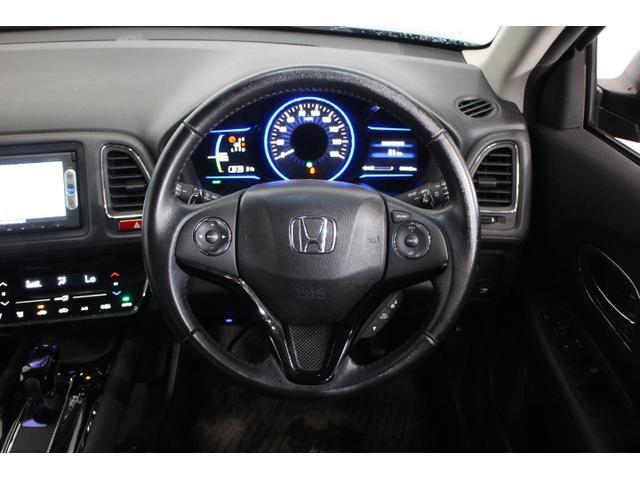 インテリアは、「Expansible Cockpit」をコンセプトに、広さとパーソナル感の両立を追求。