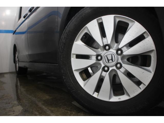 純正16インチアルミホイール タイヤサイズ(前)205/60R16 92Hタイヤサイズ(後)205/60R16 92H