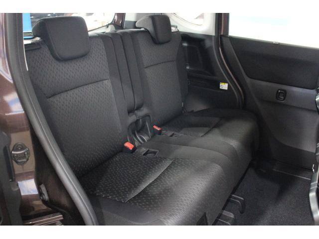 乗降性を高めた後席両側スライドドアや利便性が向上したリヤシートをはじめ、広い荷室と豊富な収納スペースを採用