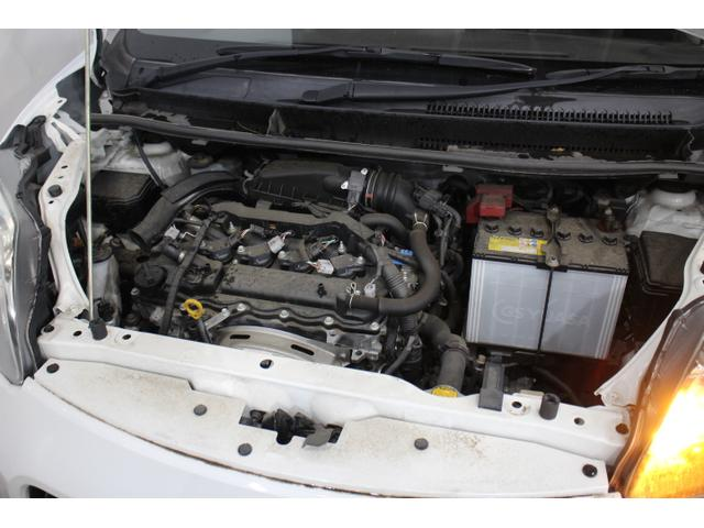 直列4気筒DOHC 最高出力95ps(70kW)/6000rpm最大トルク12.3kg・m(121N・m)/4000rpm