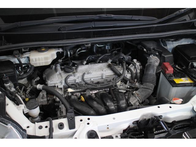 直列4気筒DOHC  最高出力152ps(112kW)/6100rpm最大トルク19.7kg・m(193N・m)/3800rpm