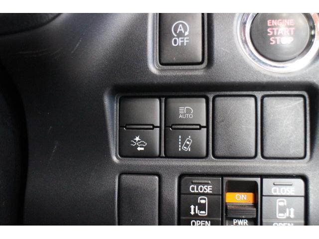 衝突回避支援型プリクラッシュセーフティ、レーンディパーチャーアラート、オートマチックハイビームをセットにした「Toyota Safety Sense」搭載。