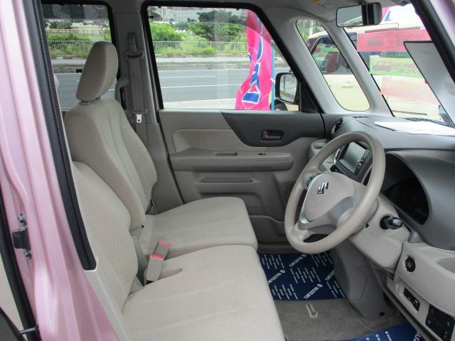 体格・好みに合わせてドライブポジションを調節でき快適ドライブをサポートする運転席回り。