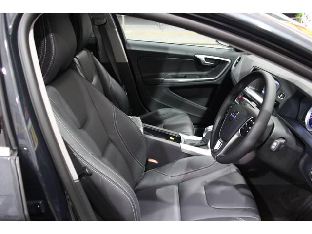ボルボ ボルボ V60 T4 Rデザインナビ セーフティ パッケージ
